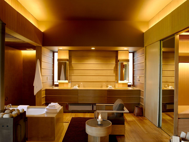 Gangtey_Suite_Bath_Vanity